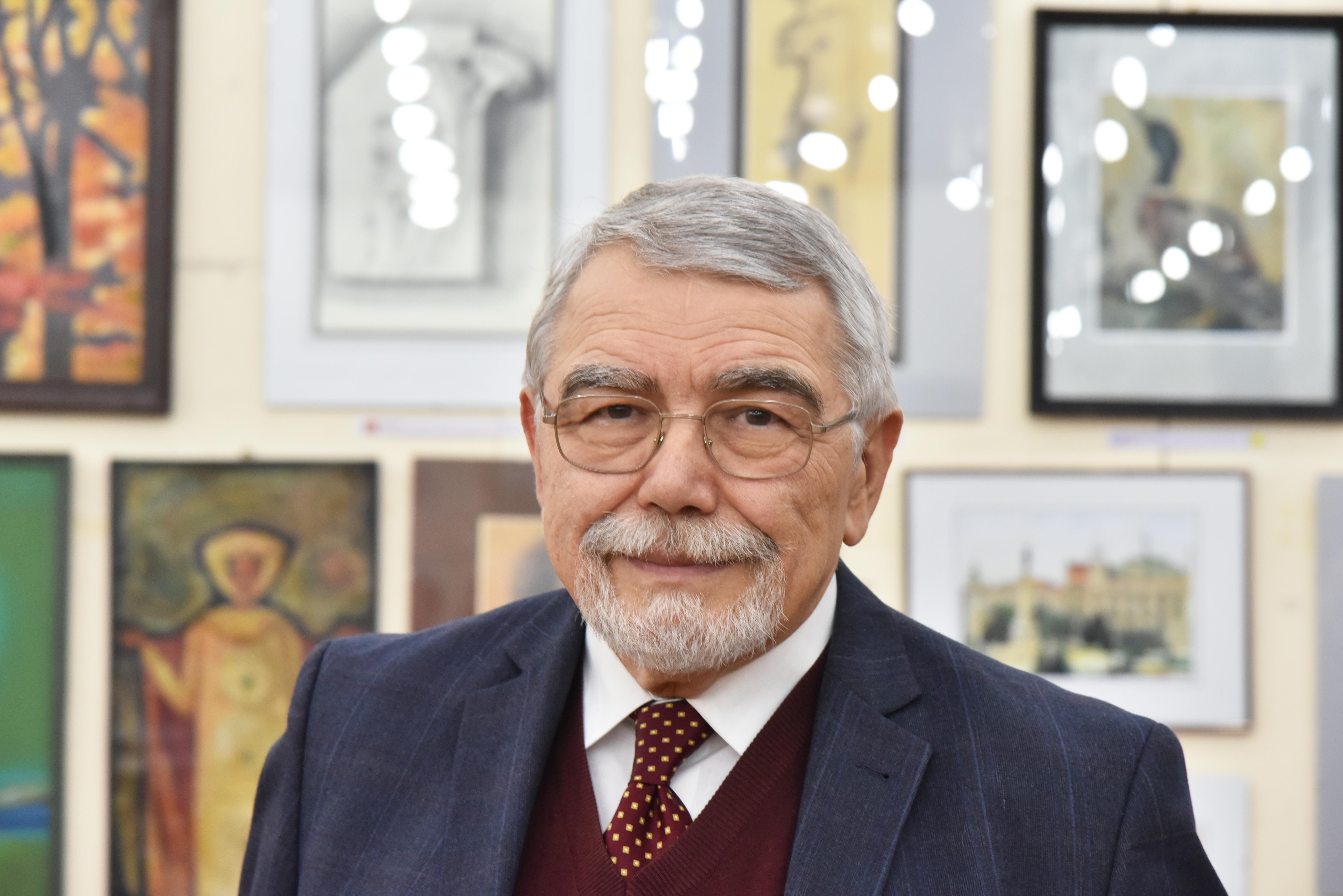 арх. Белин Моллов
